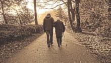 Seniorze, sprawdź, kto ci pomoże w trudnej sytuacji