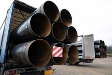 Gazociąg Polska - Litwa. Półtora tysiąca ciężarówek wiezie rury z Katowic na Litwę