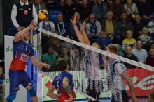 PlusLiga: Po porażce z Warszawą, Ślepsk Malow na 9. miejscu. Siatkarze, piłkarze i pluszaki [foto]