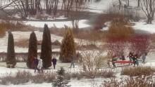 Nastolatek utknął na Kaczym Dołku. Służby ratunkowe apelują - nie wchodźmy na lód!