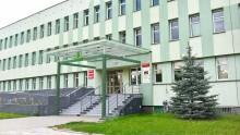 Znów więcej zakażonych w szpitalach. Zamknięty wydział komunikacji suwalskiego Starostwa Powiatowego