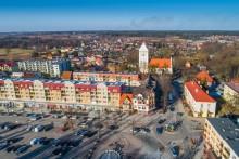 W centrum Gołdapi kierowca audi dostał ataku epilepsji. Pasażerka zdążyła zatrzymać auto