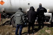 Wprowadzali do obrotu gaz grzewczy jako napędowy. KAS rozbiła grupę przestępczą [wideo]