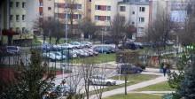 Kobieta wypadła z okna bloku przy ul. Nowomiejskiej w Suwałkach. Nie żyje