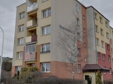 Śmierć starszej kobiety wyrzuconej z balkonu. Krewni i adwokat podejrzanego przekazali oświadczenie