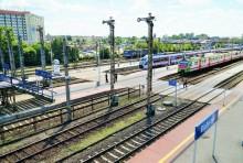 csm_1._stacja_bialystok__pociagi_przy_peronach__pkp_polskie_linie_kolejowe_s.a_0c8b536b67.jpg