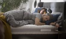 Jak dobrać łóżko i materac do sypialni, aby sen był zdrowszy?
