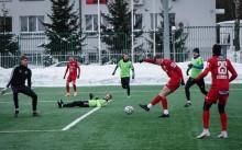 Wigry Suwałki  po 3:0 pokonały Ruch Wysokie Mazowieckie i Olimpię Zambrów. Pruszków na początek ligi