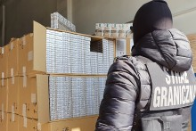 Przemytnicy stracili ponad 7,7 miliona zł. Papierosy przewoził litewski kierowca, grozi mu 10 lat