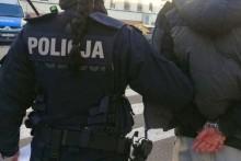 Suwalscy policjanci zatrzymali czterech poszukiwanych mężczyzn