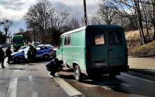 Potrącenie pieszego w Suwałkach. Mężczyzna został przetransportowany do szpitala