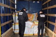 Podrobione buty, koszulki i torby w bułgarskiej ciężarówce