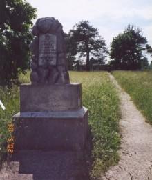 Społeczne sprzątanie cmentarza w Suwałkach