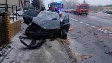 Wypadek pod Oleckiem. Dwie osoby trafiły do szpitala