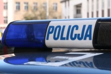 Augustów. Policyjne małżeństwo ugasiło pożar samochodu