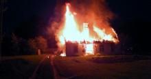 Pożar w Kuriankach. Dom płonął jak pochodnia [zdjęcia]