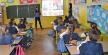 Uczyli się angielskiego z Chinką [wideo]