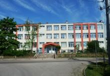 Pożegnanie roku szkolnego w Bakałarzewie. Dyrekcja prosi, aby nie przynosić kwiatów i upominków