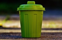 Jak prawidłowo segregować śmieci, by pomóc naturze?