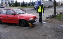 Rowerzysta wpadł pod samochód
