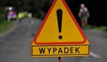Zderzenie dwóch samochodów na ul. Reja w Suwałkach. 75-latek trafił do szpitala