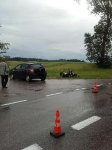 Olecko. Dwie osoby ranne po zderzeniu motocykla z samochodem