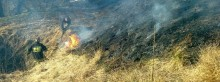 Ostatnie pożary w kominach, pierwsze wypalone trawy