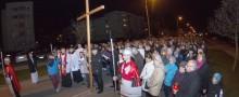 Droga krzyżowa zgromadziła tłumy na osiedlu Północ [zdjęcia]