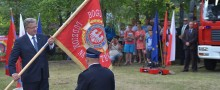 Prezydent wręczył strażakom sztandar i pompę [wideo i foto]