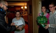 17. Mikołajkowy Turniej. Potrzebujące rodziny już  otrzymały gwiazdkowe prezenty