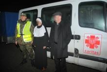 Przemycali przebrani za księdza i zakonnicę