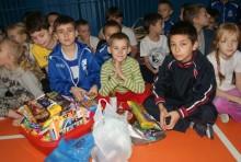 Mikołajkowa przesyłka dla polskich dzieci na Litwie