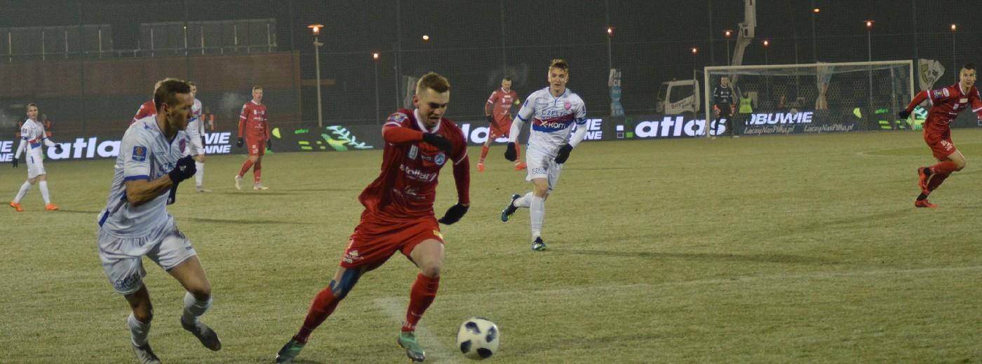 Wigry Suwałki - Raków Częstochowa 0:3 i żegnaj Pucharze Polski. Lider udzielił lekcji [wideo, foto]