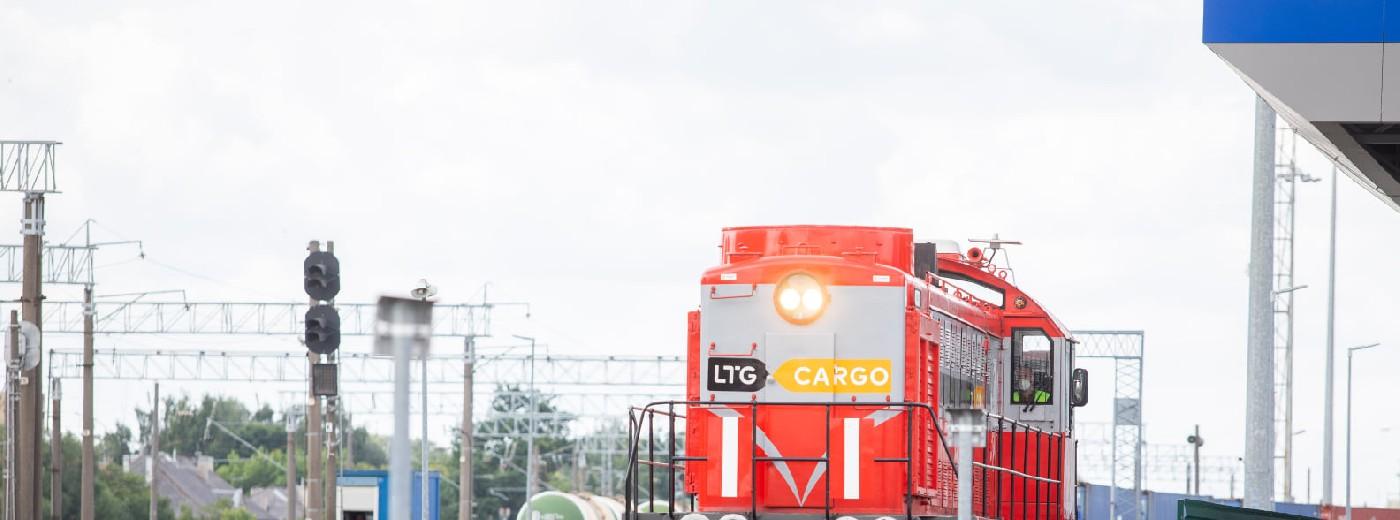 Rail Baltica. Pierwszy pociąg z kontenerami z Holandii przez Trakiszki do Kowna [zdjęcia]