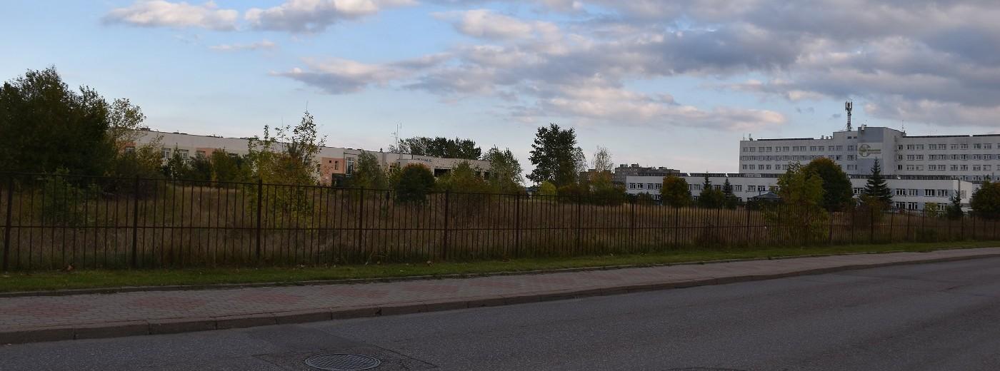 Rozpoczyna się zagospodarowanie terenu przy Szpitalu Psychiatrycznym. Najpierw rozbudowa ulicy