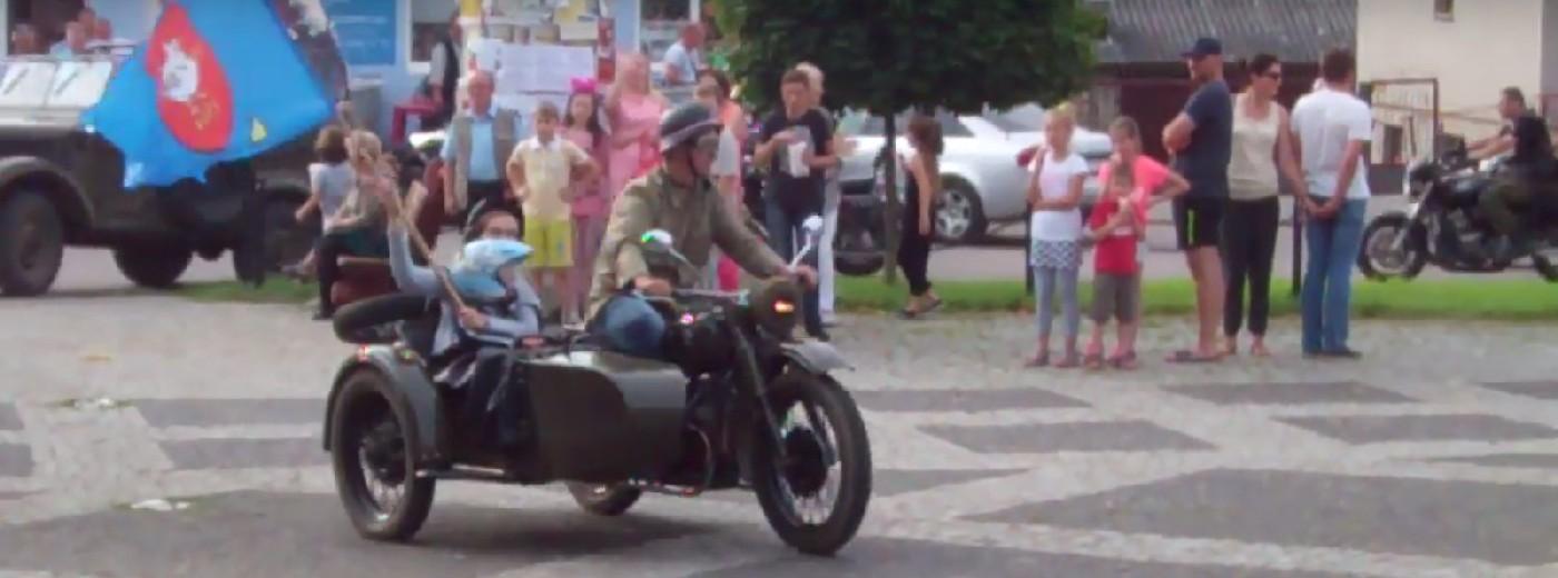 Motocyklowa parada w Bakałarzewie. Husaria grzała silniki z Niedźwiedziami [wideo]